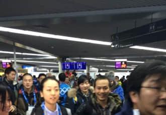浅田真央抵索契 百名日本记者凌晨守候